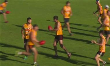 AFL Football Training: Multi-ball Handball