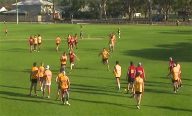 Aussie Rules Training Drills: Three Man Weave