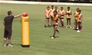 Training For AFL: Tackle, Dispose