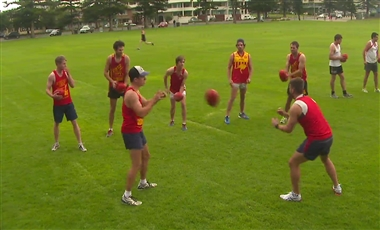 Aussie Rules Training Drills: Quick Hands 7
